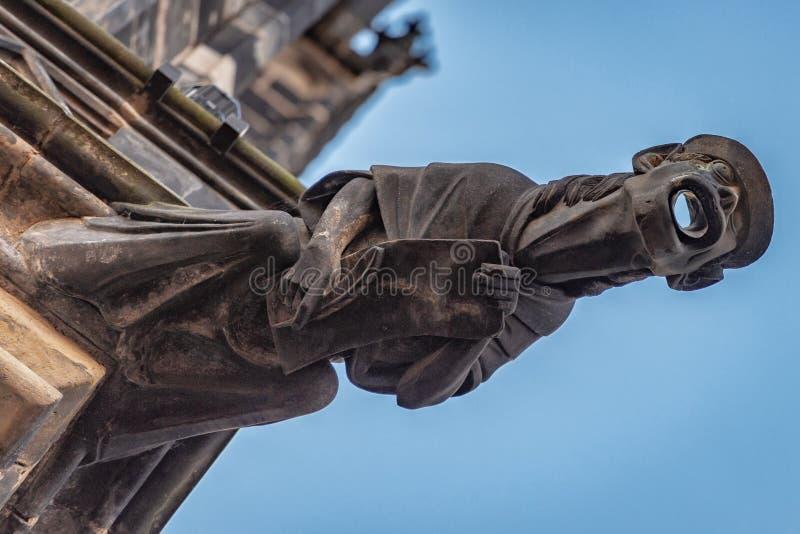För domkyrkaPrague för St Vitus vattenkastare Tjeckien arkivfoton
