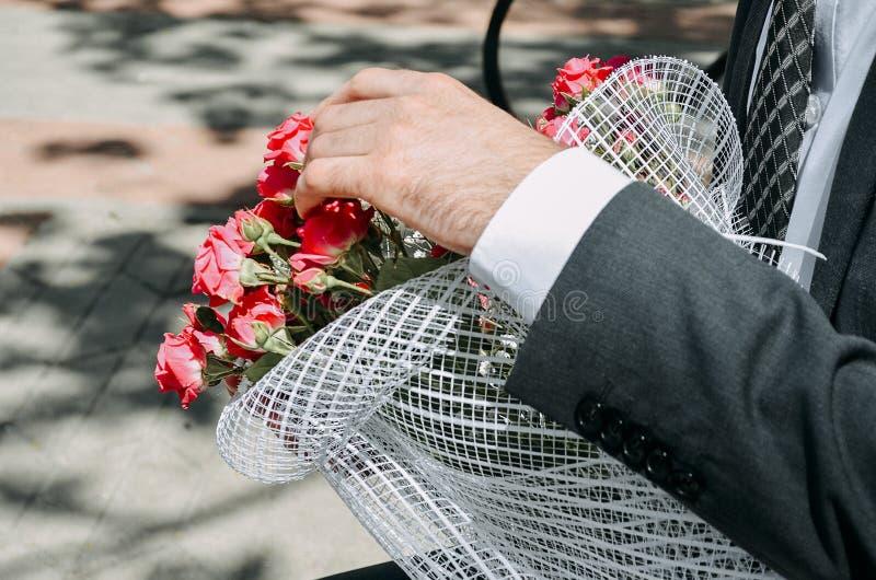 För du går till bruden royaltyfria foton