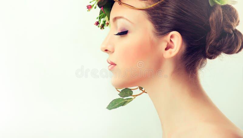 för fjäderkvinna för begrepp grön yellow royaltyfria bilder