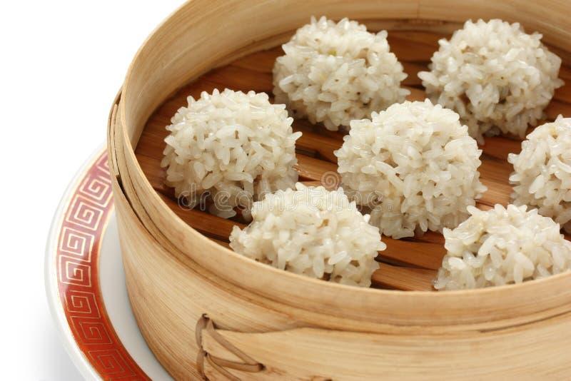 för fo-meatballs för bambu kinesisk steamer för rice royaltyfri foto