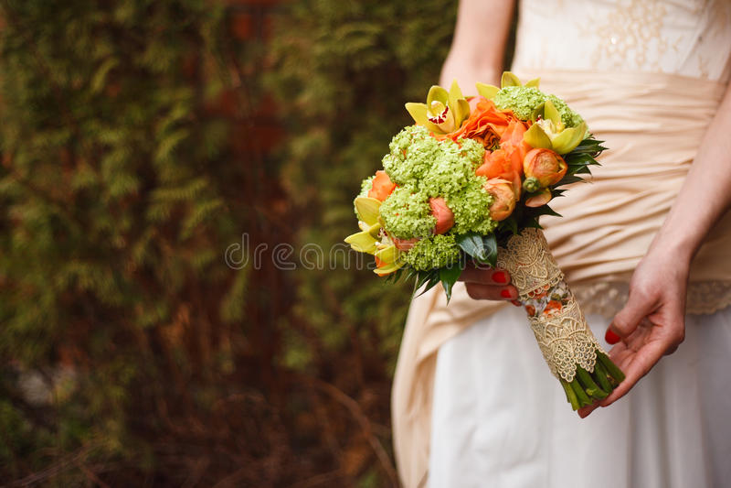 för fokusförgrund för 3 bukett bröllop arkivbild