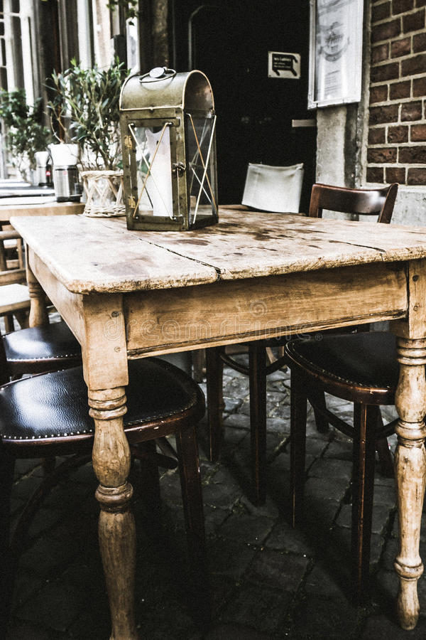 för fokustabell för cafe första tabeller fotografering för bildbyråer