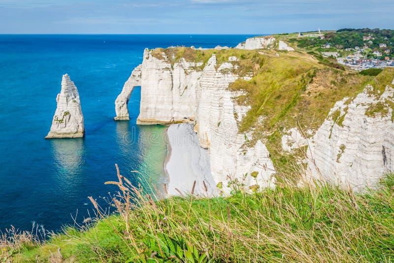 för france normandy för klippaetretat berömd tide hav arkivbild
