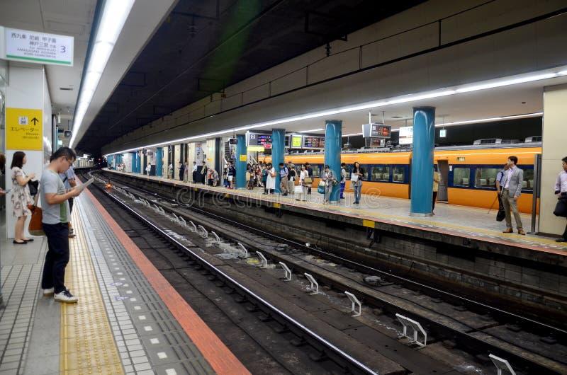 För gångtunneldrev för folk väntande Kintetsu Nara station arkivbild