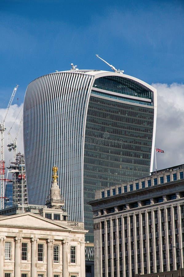 För gatawalkie-talkie för 20 Fenchurch byggnad - London, UK royaltyfria foton