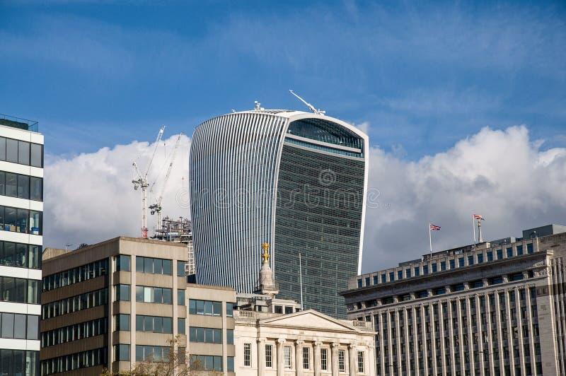 För gatawalkie-talkie för 20 Fenchurch byggnad - London, UK royaltyfri foto