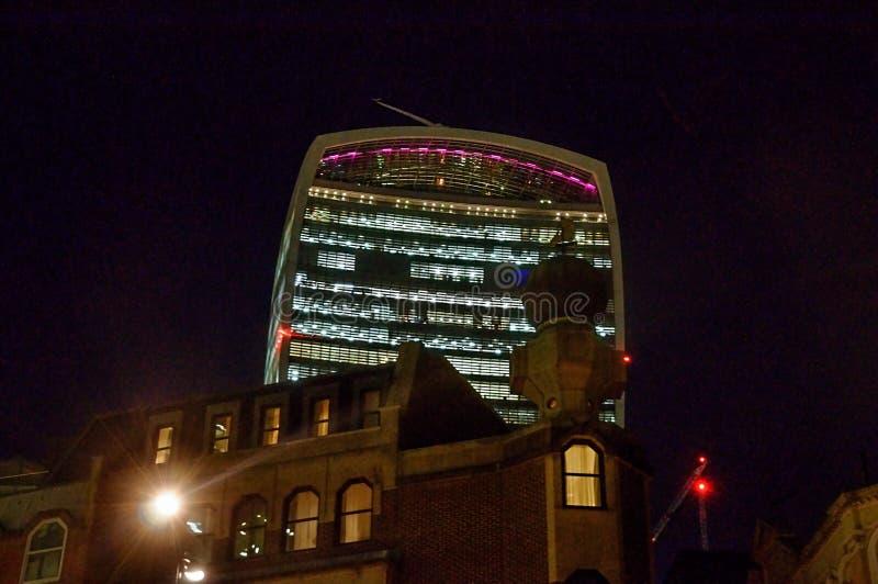 För gatawalkie-talkie för 20 Fenchurch byggnad - London, UK royaltyfri bild