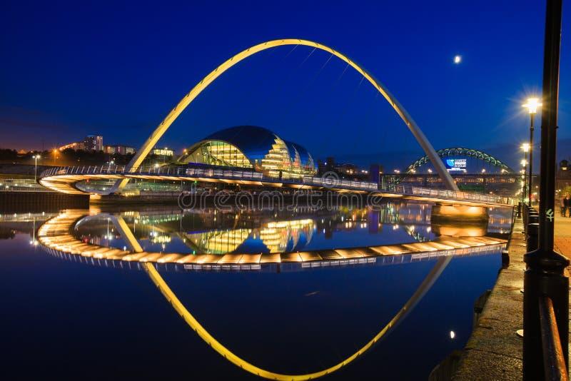 För Gateshead för Newcastle kajbro bro millenium arkivbild