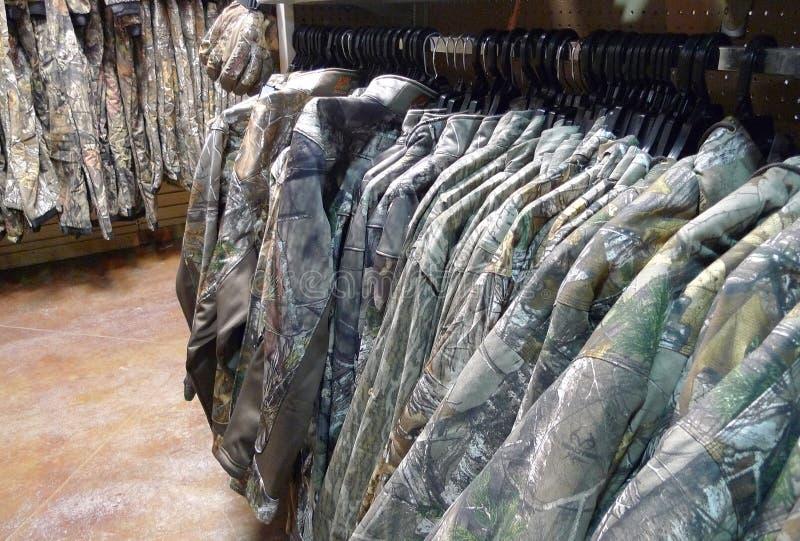 För Gellco kläder utomhus detaljistkamouflage royaltyfria bilder