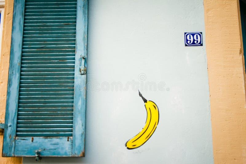 för grafittigata för konst färgrik räknad vägg Färgrika grafitti på väggen Fragment för bakgrund arkivfoton
