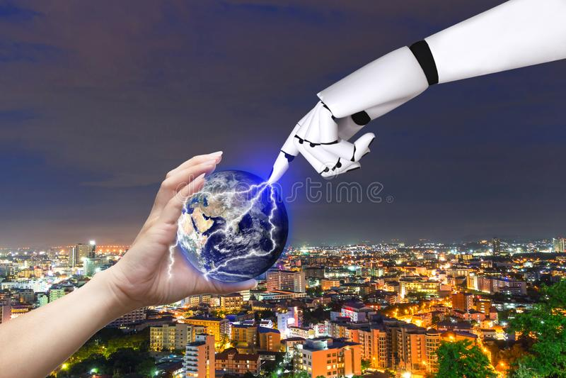 För handjordklot för teknologi mänsklig robot av jordbilden förutsatt att av Nasa arkivfoto