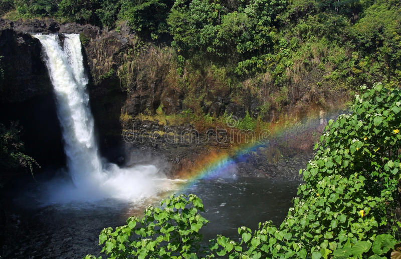 för hawaii för 01 stor falls regnbåge ö royaltyfria foton