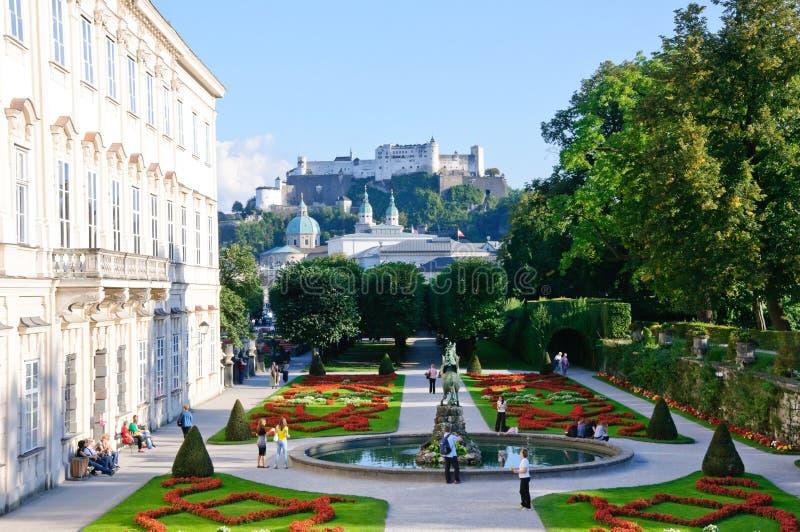 för hohensalzburgmirabell för slott trädgårds- salzbur arkivbilder