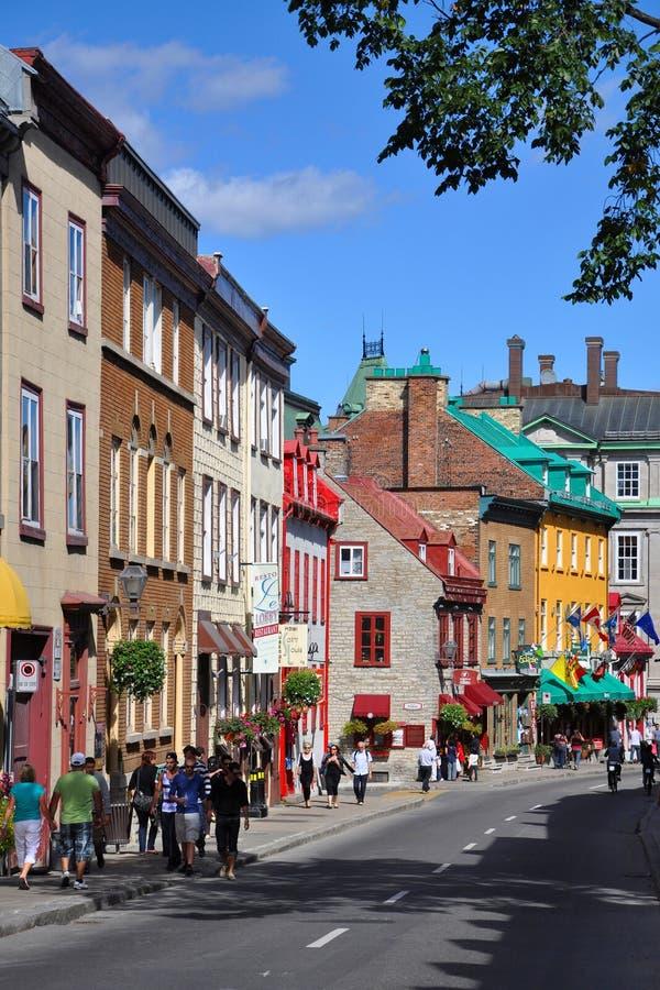 för huslouis quebec för stad färgrik saint rue royaltyfria bilder