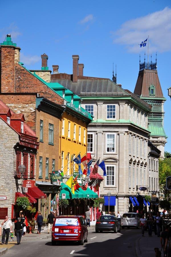 för huslouis quebec för stad färgrik saint rue fotografering för bildbyråer