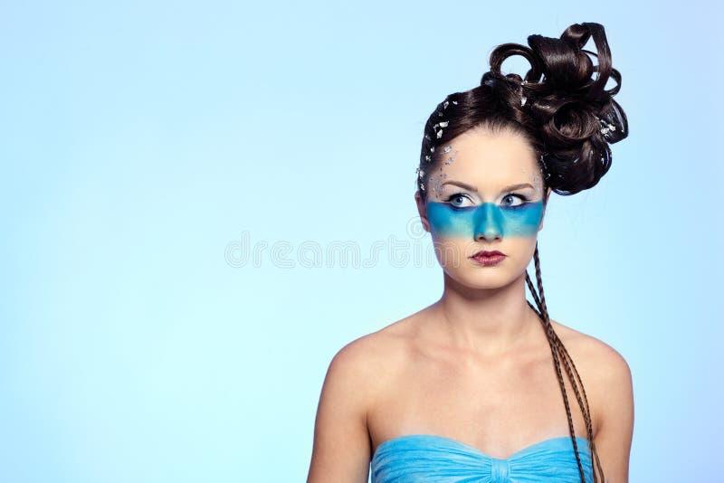 för huvuddelfantasi för konst blå flicka s arkivbild