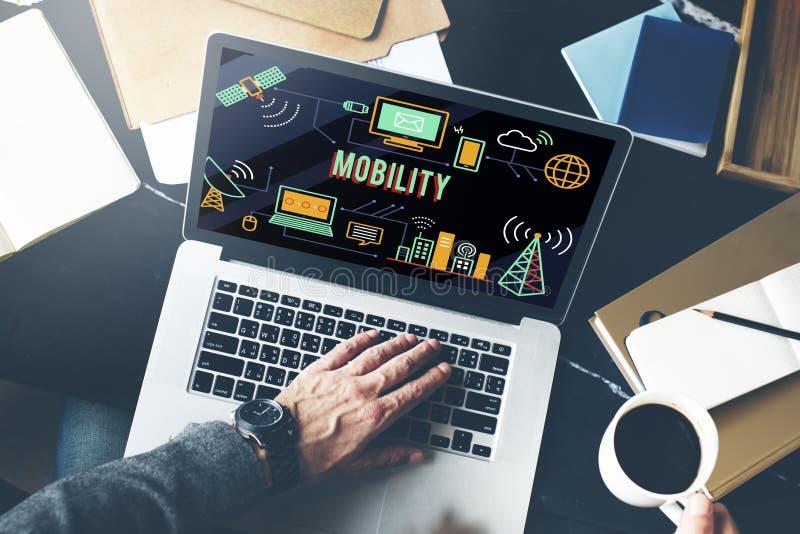För internetteknologi för rörlighet mobilt begrepp för radio arkivbild