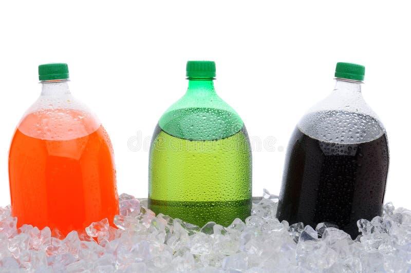 för isliter för 2 flaskor sodavatten royaltyfria bilder
