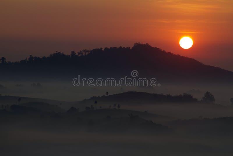 för italy lombardy för dimma för brixiacoveringdelle hav valle för region för landskap messi arkivbilder