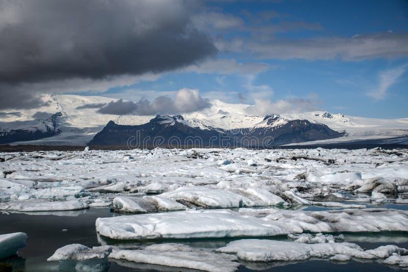 För Jokulsarlon för Island glaciärsjö landskap Vatnajokull 2 för snö för natur is- lagun arkivbilder
