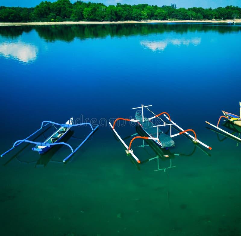 För Jukung för flyg- sikt fartyg Indonesien fiskare arkivfoto
