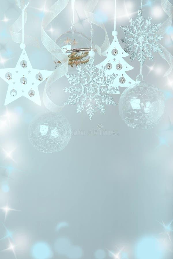 för julsammansättning för bauble blått exponeringsglas Granen förgrena sig, xmas-trädet, för dekorferie för xmas rosa boll med ba royaltyfria bilder