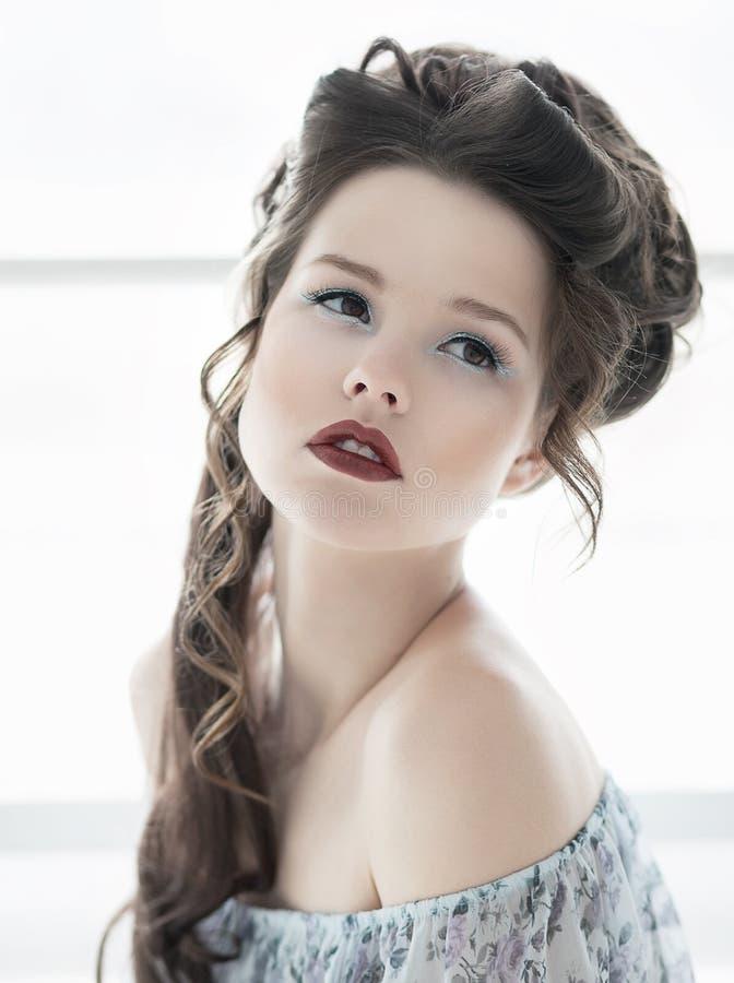 för kantred för härlig clean flicka sund hud royaltyfri fotografi