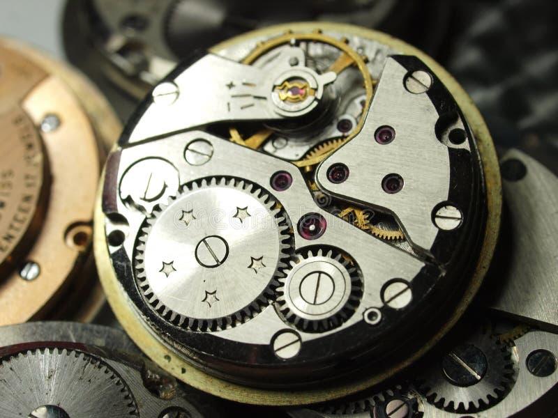 för klockakaliber för tappning mekaniska kugghjul royaltyfri bild