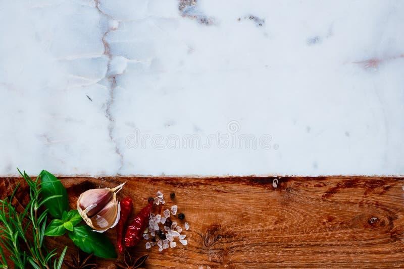 för kokkonstelement för tillsatser aromatiska kryddor för naturligt val för ingredienser för örtar för mat fotografering för bildbyråer