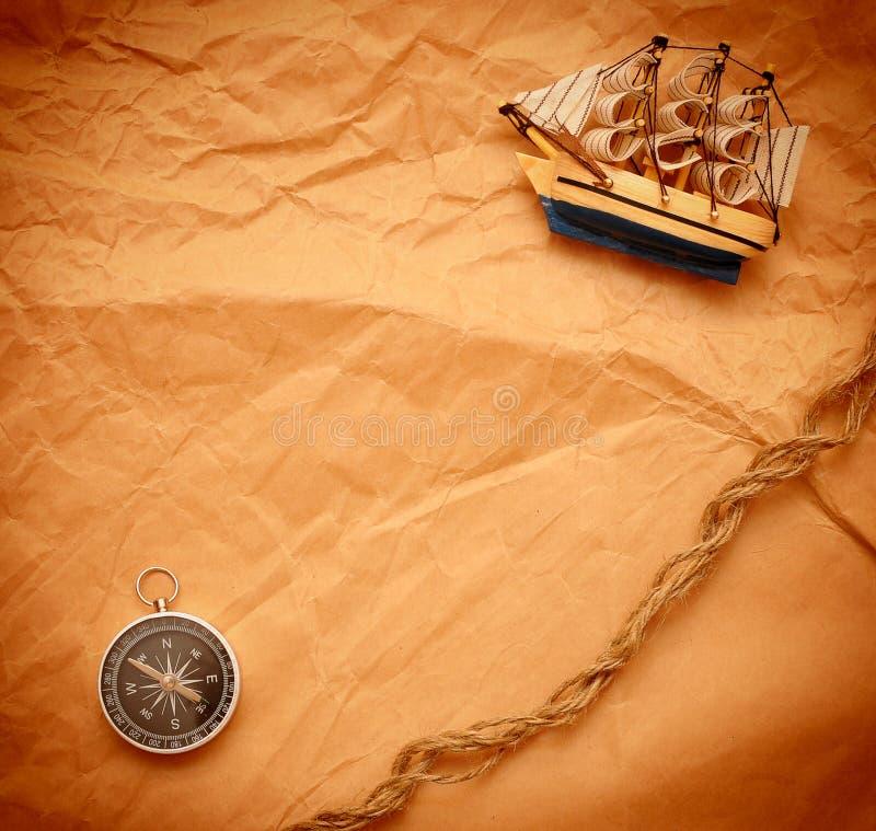 för kompassmodell för fartyg klassiskt rep fotografering för bildbyråer