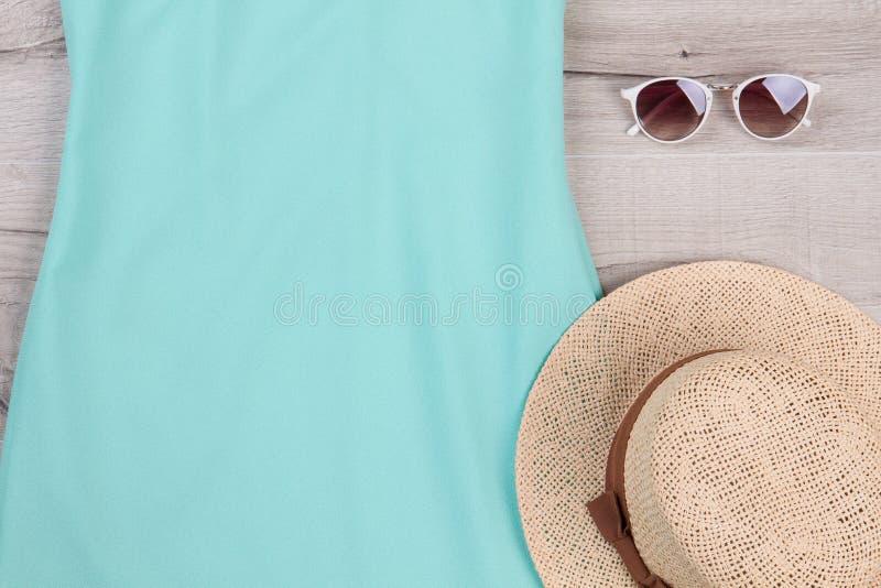 För kvinna` s för sommar härlig tillbehör fotografering för bildbyråer