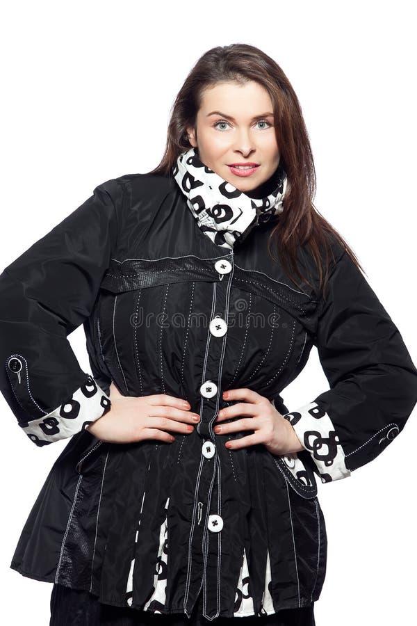 För kvinnavår för stort byggande caucasian mode för sommar royaltyfria bilder