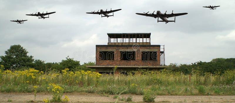 För Lancaster för världskrig 2 flygfält bombplan royaltyfria foton