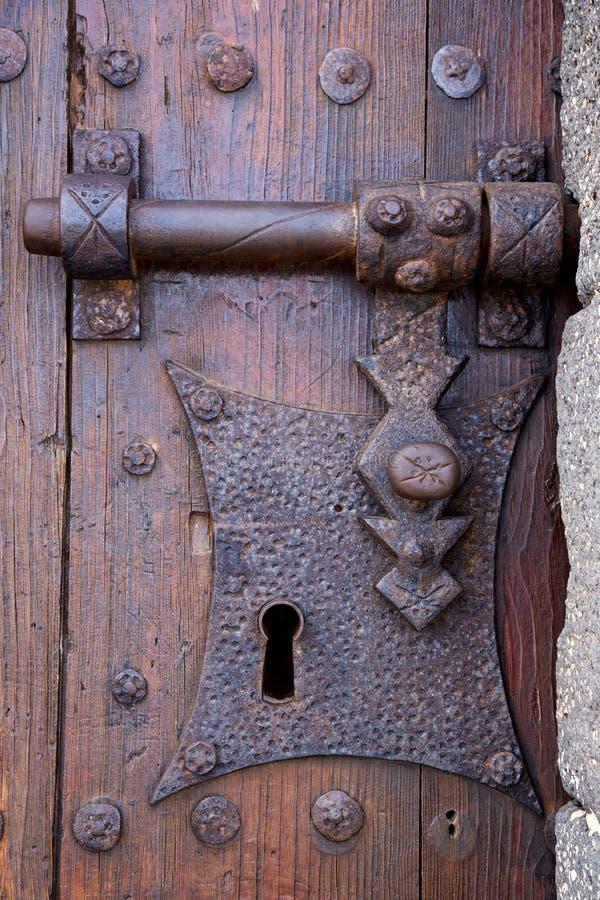för lanzarote för slottlåsSpanien knackare trä för dörr abstrakt begrepp royaltyfri bild