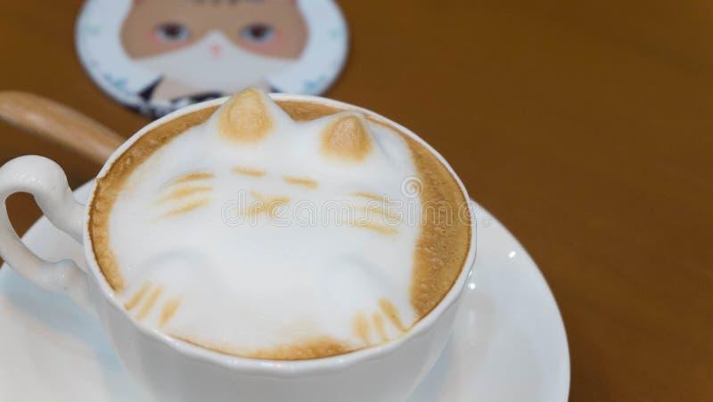 För lattekonst för katt 3D kaffe arkivbilder