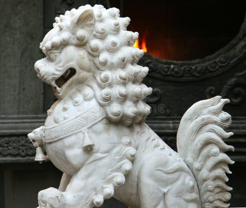 För marmorförmyndare för traditionell kines lejon arkivfoto