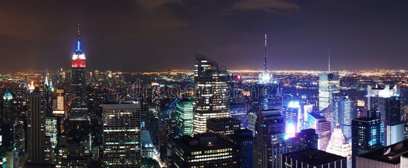för nattpanorama för flyg- stad ny plats york royaltyfri bild