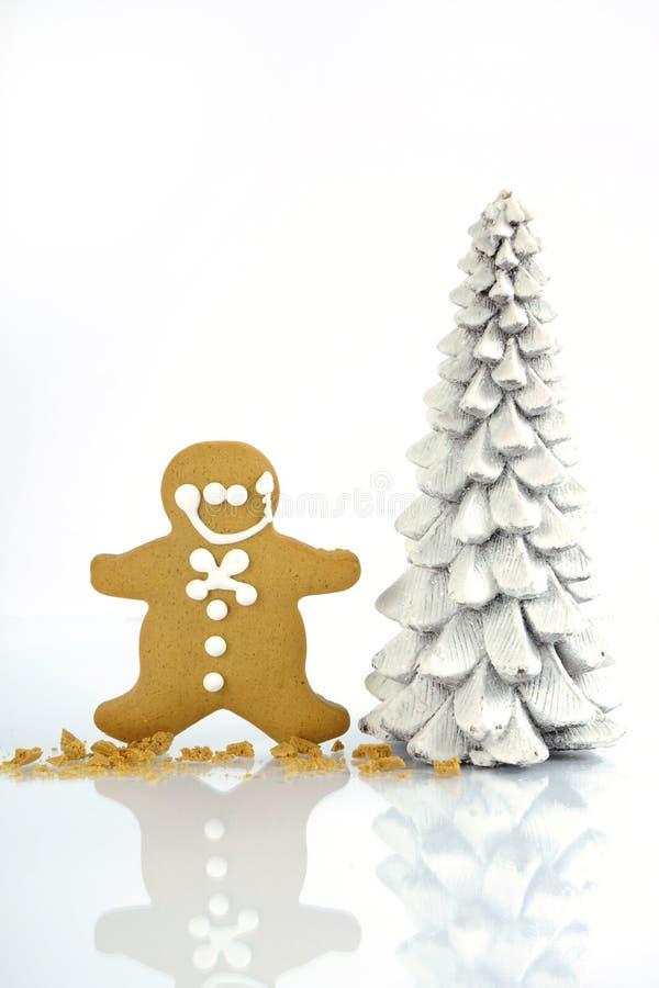 För pepparkakamän för lycklig jul kakor royaltyfri fotografi