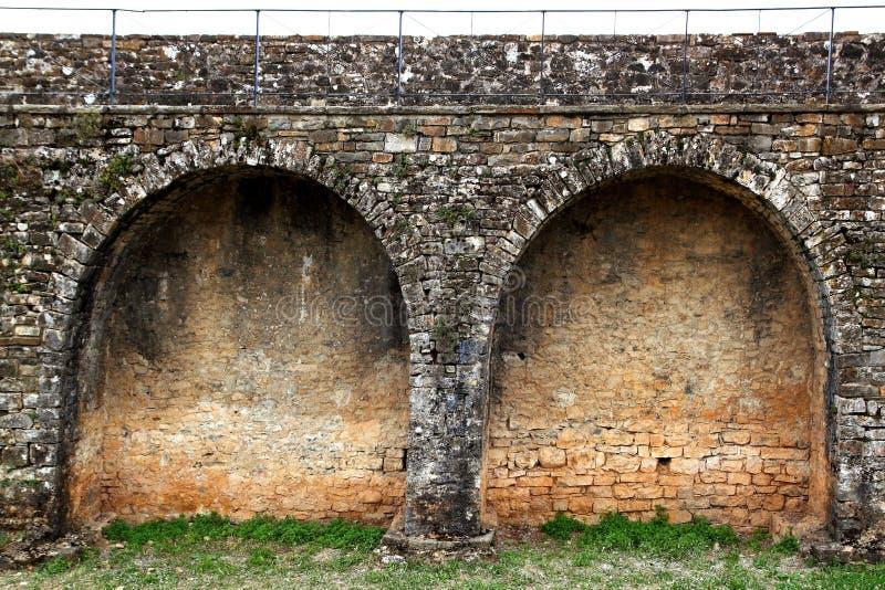 för pyrenees för fort för ainsaaragon slott vägg by fotografering för bildbyråer