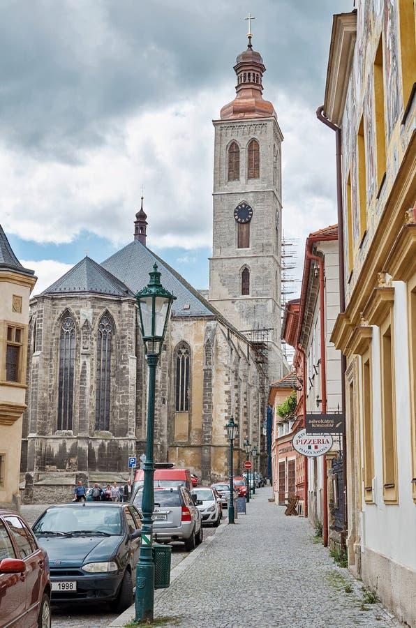 för republiktown för cesky tjeckisk krumlov medeltida gammal sikt Gata Kutna Hora 14 Juni 2016 royaltyfri bild