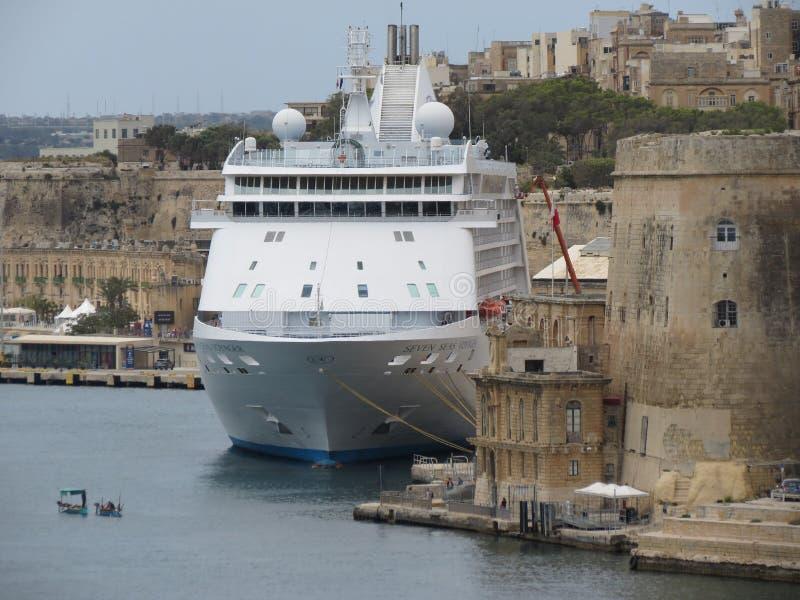 För resandekryssning för sju hav skepp av Regent Seven Seas Cruises arkivfoton