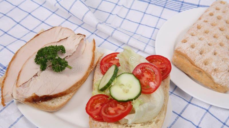 för salladsmörgås för ciabatta öppen kalkon fotografering för bildbyråer