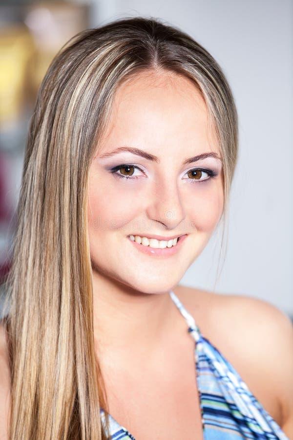 för salonghud för skönhet perfekt kvinna fotografering för bildbyråer