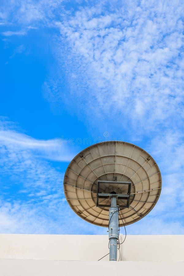 för satellitvektor för maträtt illustration isolerad white arkivfoto