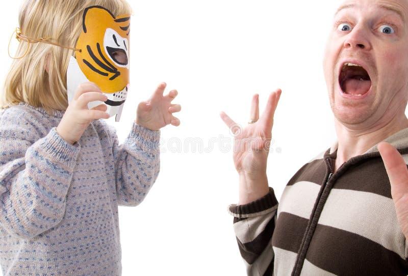 för shocköverrrakning för maskering läskig tiger royaltyfri bild