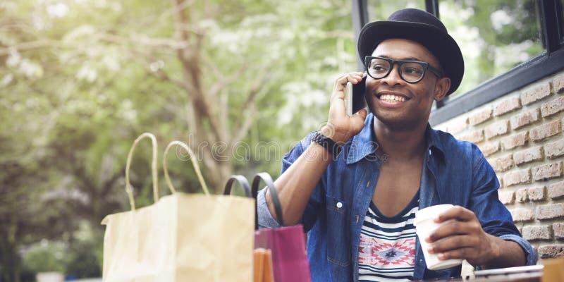 För shoppingConsumerism för köp tillfälligt kommersiellt begrepp royaltyfri foto