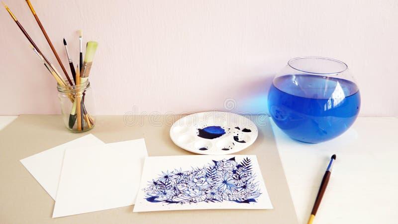 För siktsvattenfärg för konstnär skrivbords- teckning för hand för målning royaltyfri fotografi