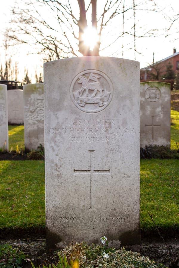 För soldatvärld för kyrkogård stupat krig I Flanders Belgien royaltyfri fotografi