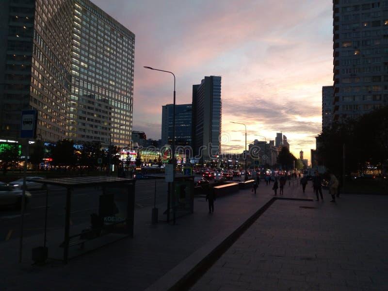 För solnedgången på Arbaten av Moskva arkivbild