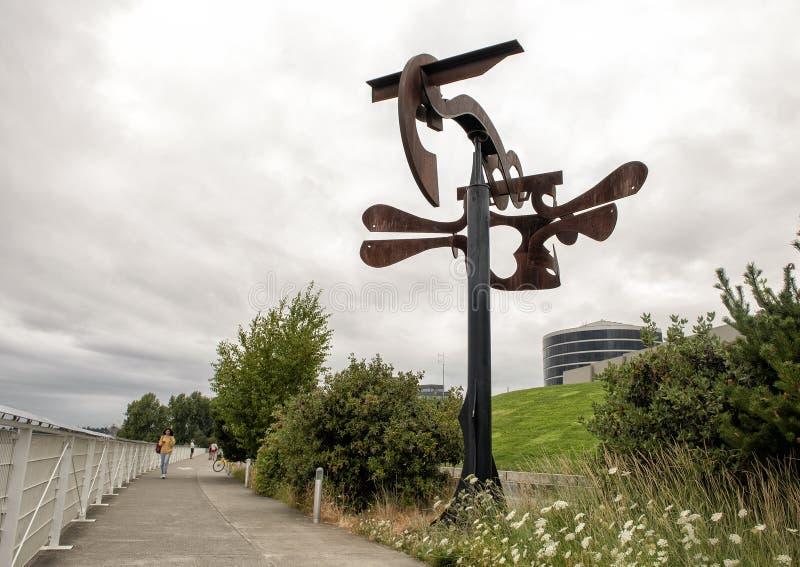 ` För sonat för `-Shubert ` s av Mark di Suvero, olympiska Sculptue parkerar, Seattle, Washington, Förenta staterna royaltyfria foton